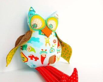 Stuffed animal owl, Gnome theme owl, Plush owl doll, Child friendly toy, Owl decoration, Woodland owl decor, Cloth owl toy, Hoot owl softie