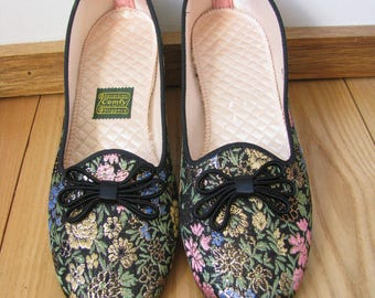 Vintage Black Metallic Floral Slipper Flats/ Daniel Green House Slippers /1960s Bedroom Slippers/Comfy Slippers Quilted lining