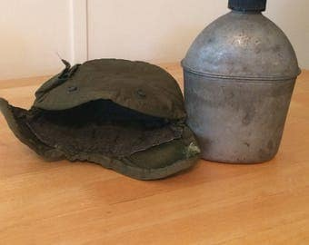 Vintage US Army WWII Canteen in Case