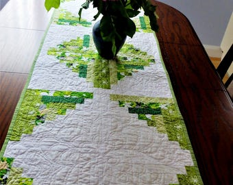 Green and white table runner, patchwork quilted log cabin style modern table runner, table topper