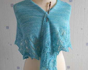 light green lace shawl, hand knitted, merino