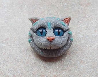 Alice in wonderland cheshire cat pendant brooch, cheshire cat character cat smile, cheshire cat necklace jewelry handmade of clay