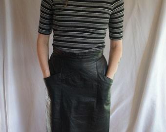 Vtg Black Leather high waisted skirt w/ pockets