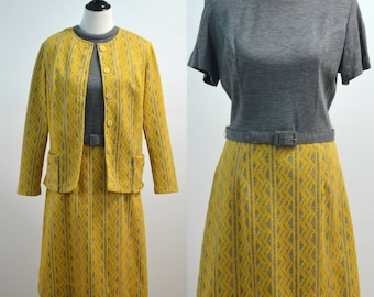 Vintage vtg 70s 1970s Georgia Griffin Yellow and Gray Two Piece Set with Dress and Jacket Chevron Pattern Large L Shift Dress Marcia Brady