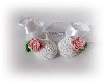 White Crochet shoes Christening, Blessing Booties, White Crochet baby shoes, Baby shower, Newborn shoes, Baby girls shoes, Knit baby shoes