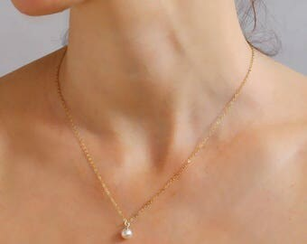 Pearl necklace, Gold pearl pendant ,  14k gold filled , June Birthstone , Bridal Jewelry, Bridesmaids Pendant, Wedding Jewelry,