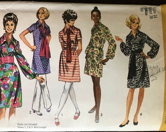 Simplicity 9219 - 1970s Knee or Mini Length Dress with Wide Pointed Collar and Long Gathered or Short Sleeves and Sash - Size 14 Bust 36
