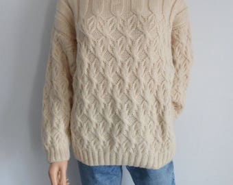 Cream wool sweater jumper pullover, long batwing sleeves, roll neck, French vintage oversize top, large