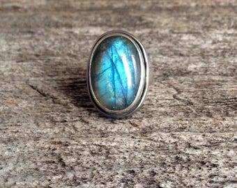 Labradorite Ring- Blue Labradorite - Flashy Labradorite - Blue Mood Ring - Statement Ring - Handmade Jewelry - Size 6