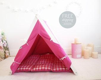 Pink dog house (Medium size) Oh yes, FREE shipping!