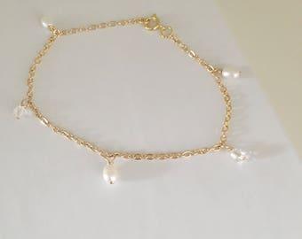 Gold wedding bracelet, gold pearl bracelet, bridal jewellery, pearl and crystal bracelet, gold wedding jewellery, wedding jewellery gift,