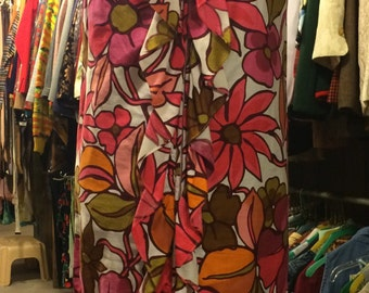Vintage 1960s Sleeveless Floral Dress