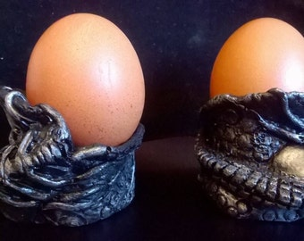 """Alien    Boiled  Egg Cups """"Hugglets"""" Handsculpted Moulded & Painted Quirky Film Fan"""