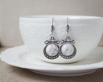 White stone earrings - Howlite earrings - Dangle earrings - Antique silver earrings - Victorian earrings - Vintage earrings - Round earrings