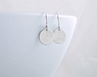 Silver Dot Earrings Petite Sterling Silver Earrings Minimal Earrings Circle Earrings Everyday Jewelry Xmas Gift For Wife Mom Girlfriend