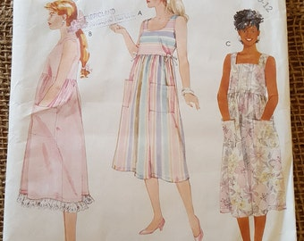 SALE ~ Maternity Sewing Pattern: Lightweight Dress  Size 8,10,12   McCall's 3154