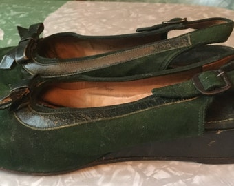 1940s Emerald Green Suede Wedgies