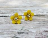 SALE- Yellow Flower Earrings, Dainty Flower Stud Earring, Vintage Earrings, Bridesmaid Gifts, Gift For Her