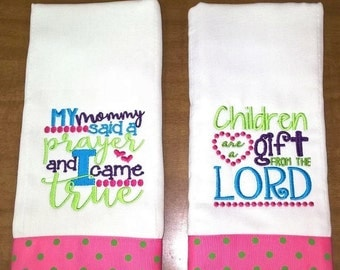 Set of 2 Burp Cloths Personalized Burp Rags Embroidered Monogrammed Gift Boy Girl Baby Diaper