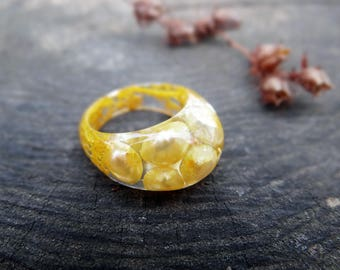 Freshwater pearls ring handmade rings for women pearl engagement ring for girlfriend yellow ring sister gift resin ring baroque pearls moss