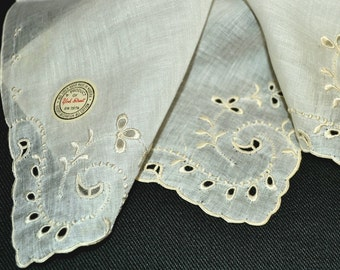 MADEIRA WEDDING HANKIE Ivory Irish Linen Embroidery Applique Cut Work Corded & Hand Rolled Hem York Street Label Bride Excellent Condition