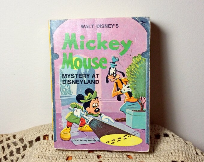 BIG LITTLE BOOK Walt Disney's Mickey Mouse Mystery at Disneyland Vintage 1975
