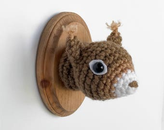 "Squirrel Faux Taxidermy, Crocheted (3""x5"")"
