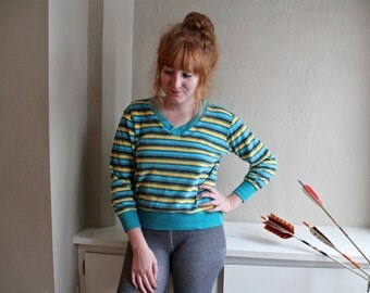 """70s Vintage Velour SWEATSHIRT Sports Sweaty Sweater """"V"""" Neck Pullover long sleeved Stripes Turquoise & Yellow Women's Medium Size Jumper Top"""