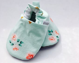 Rose Baby Shoes, Floral Baby Slippers,  Baby Girl Shoes, Soft Sole Baby Shoes, Baby Booties,Baby Moccasins, Crib Shoes, Toddler Slippers