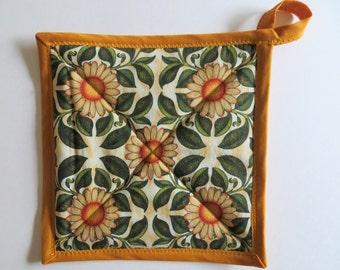 Set of 2 Pot Holders  - Sunflower Theme Potholders - Handmade Potholders - Quilted Insulated Hot Pads - Quilted Trivets - Hostess Gift