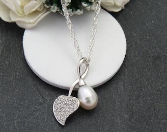 Silver Leaf Bridal Pearl Necklace, White Bridal Necklace, Silver Leaf with Freshwater Pearl Necklace, Bridesmaid Necklace