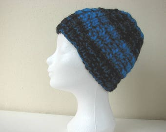 Chunky knit hat black blue child warm comfortable winter hat kid knit in round thick and thin woolen acrylic effect yarn lana grossa olympia