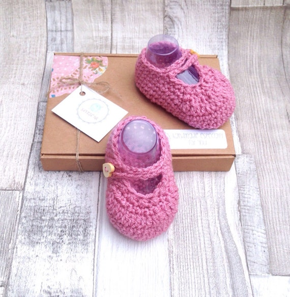 Pink booties mary jane shoes crocheted booties mary jane shoes pink  0-3 newborn gift set UK baby booties gift boxed baby shower gift