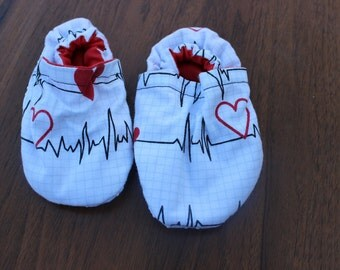 heartbeat baby booties, cloth moccasins, baby footwear, i heart you tula, tula accessories, toddler shoes, baby shoes, crib shoes,soft soled