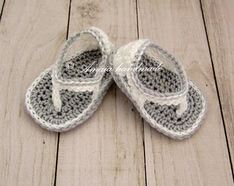 Baby sandals - white baby sandals ideal for baby boy or girl - crochet baby shoes for Newborn to 12 Months - Great as an baby shower gift!