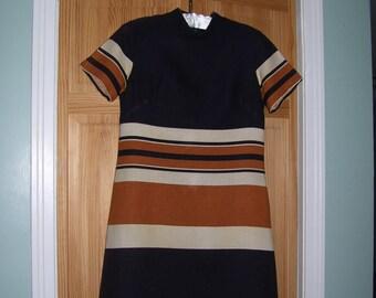 Striped Dress  Striped Linen Dress Striped Day Dress 1970s Trude of California sz 6/8 Vintage