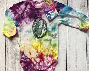 Size 00 (6 months) - Organic Cotton - baby wearing art print rainbow dyed bodysuit
