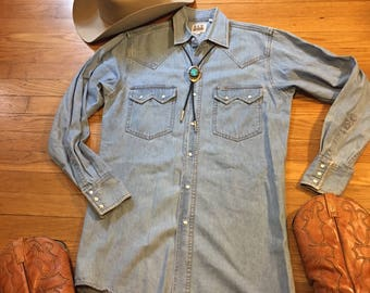 Vintage men's western denim snap shirt/Cowboy/Jean/Small
