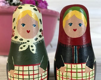 Antique Nesting Dolls, Salt and Pepper Shakers Set, Russian Dolls, Matryoshka Dolls, Peasant Dolls, Primitive Home Kitchen Decor.