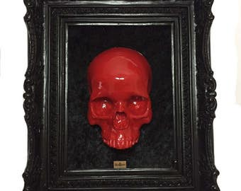 Big frame with red skull