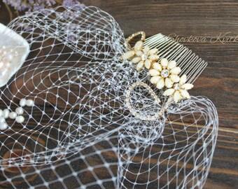 Bridal Ivory Birdcage Veil with Gold Rhinestone Comb, Mini Birdcage Veil 9 inch, Wedding fascinator, Vintage Brooch Birdcage Head Piece