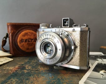 Gelto D-III Camera, Vintage Post War Silver Gelto D-III 127 Film Camera with Original Leather Case, Art Deco and Mid Century Modern Camera