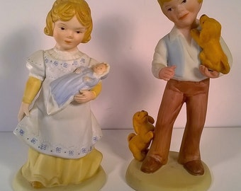 """Vintage 1981 Avon Figurines""""A Mother's Love"""" and """"Best Friends"""""""