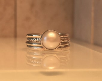 Tiny Pearl Ring/Solitare Pearl Ring Set./Pearl Promise Ring/Handmade Silver Pearl Stacking Ring Set./Free Shipping in the US.