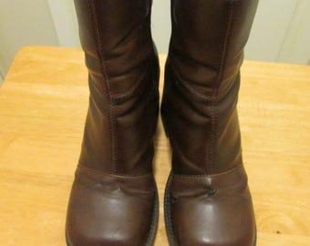 Boho vegan faux leather platform boots. 2 tone brown side zipper mod calf platform boots. Size 8 1/2 M