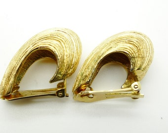 Christian Dior Vintage Shell Style Gold Tone Clip on Signed Earrings Authentic