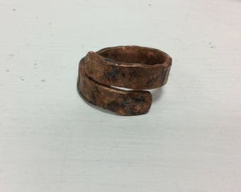 Hammered copper ring.Steampunk copper ring.Vikinger copper ring.wood structure copper ring.wood ring.mens copper ring.Gifts for men.