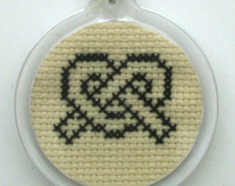 Hand embroidered Celtic interlacing keychain