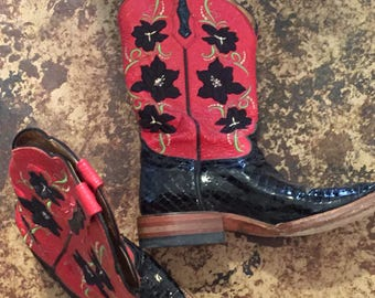 Custom Ariat Cowgirl Boots!