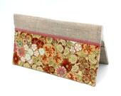 Porte chéquier en  lin naturel et tissu japonais  à fleurs jaunes et rouille